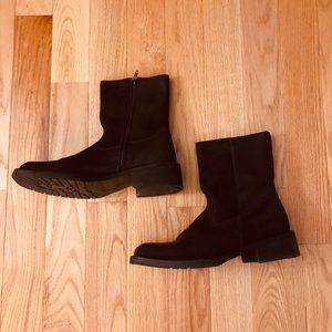 Kenneth Cole Reaction brown suede boots